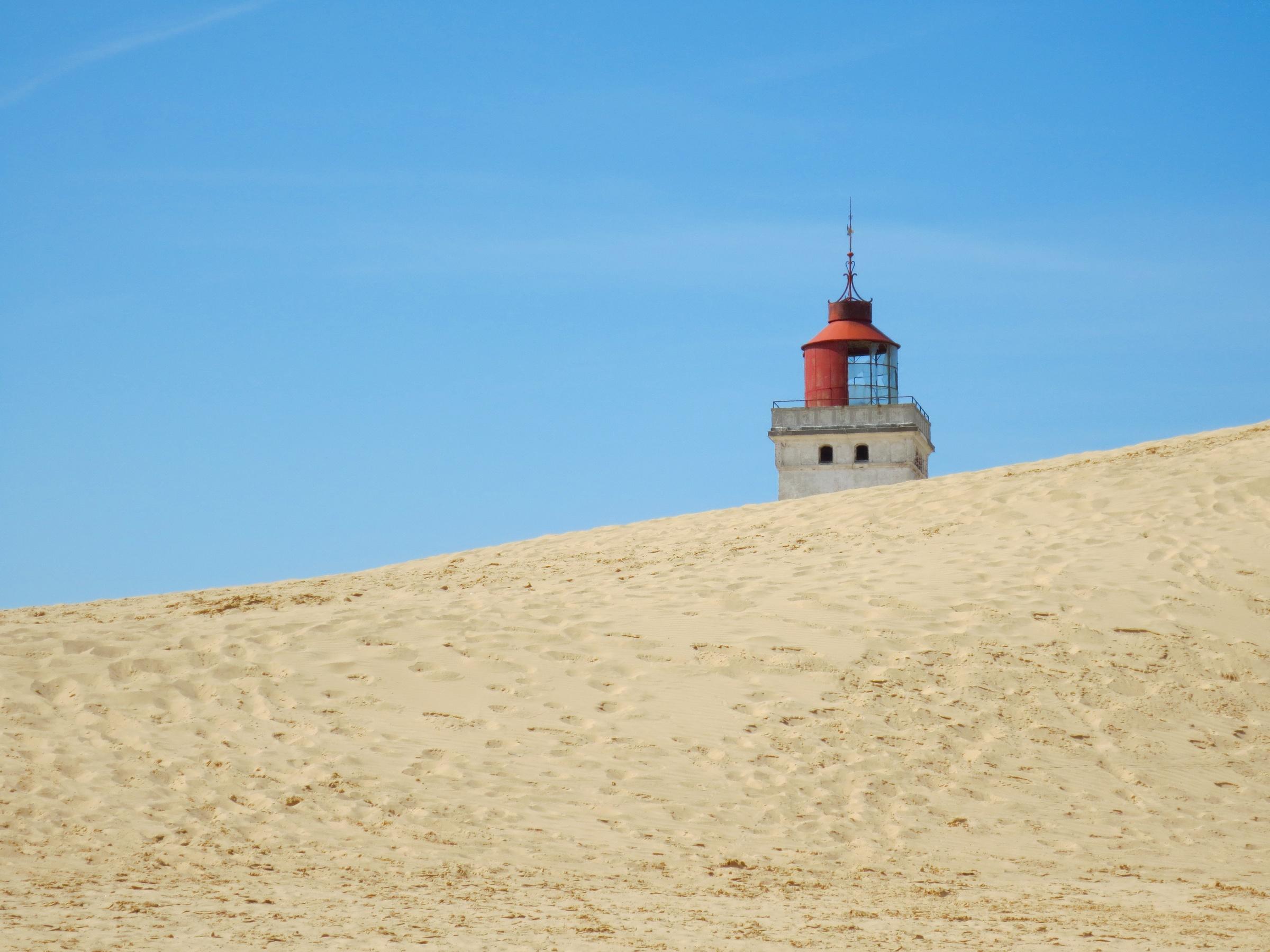Versandeter Leuchtturm